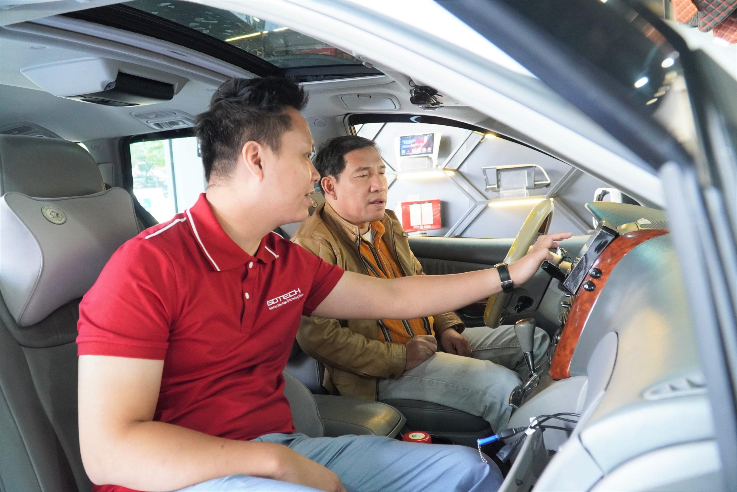 Hướng dẫn sử dụng màn hình ô tô Android GOTECH tới nghệ sĩ Quang Thắng