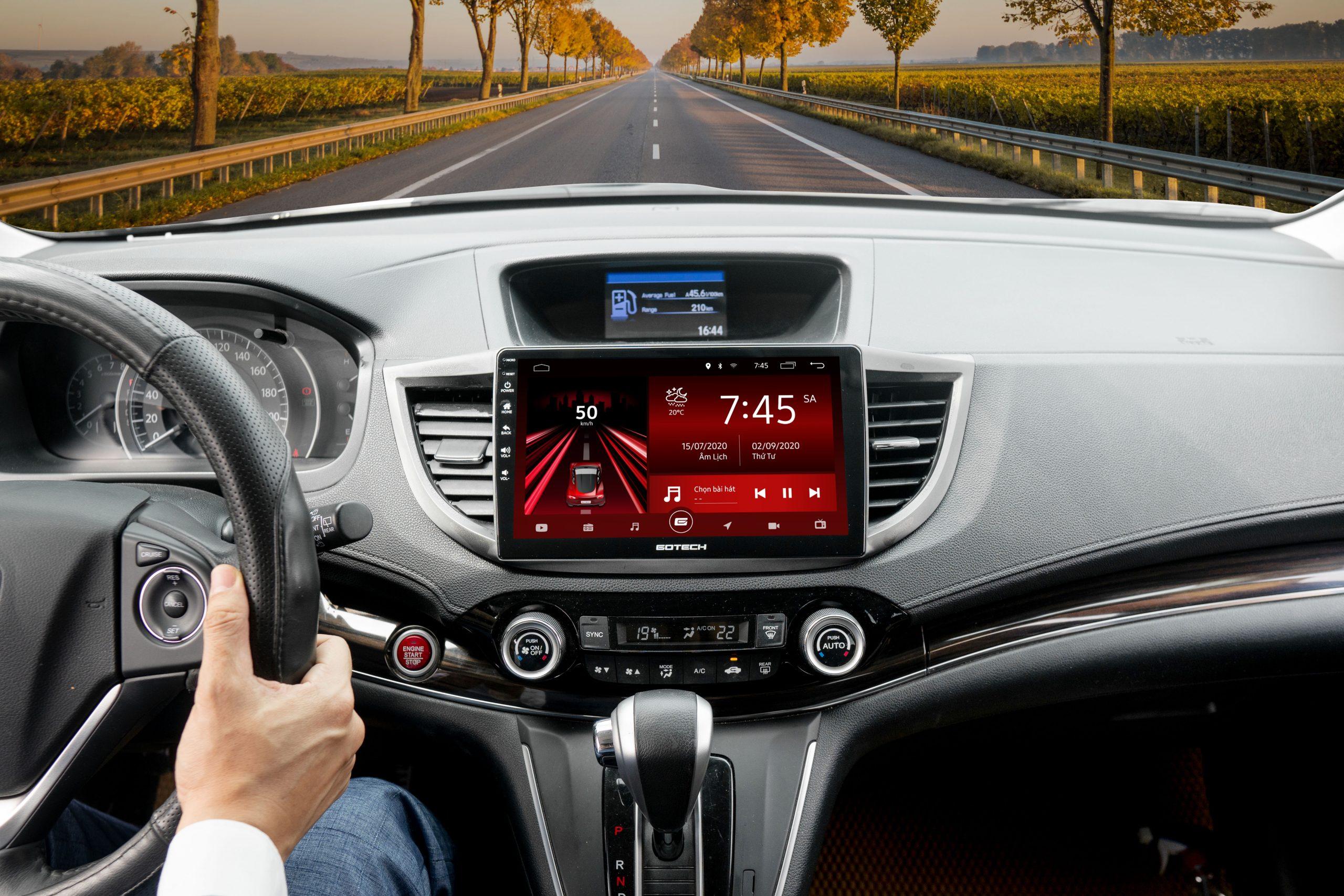 Lắp đặt màn hình Android GOTECH không gây ảnh hưởng đến kết cấu nguyên bản của xe