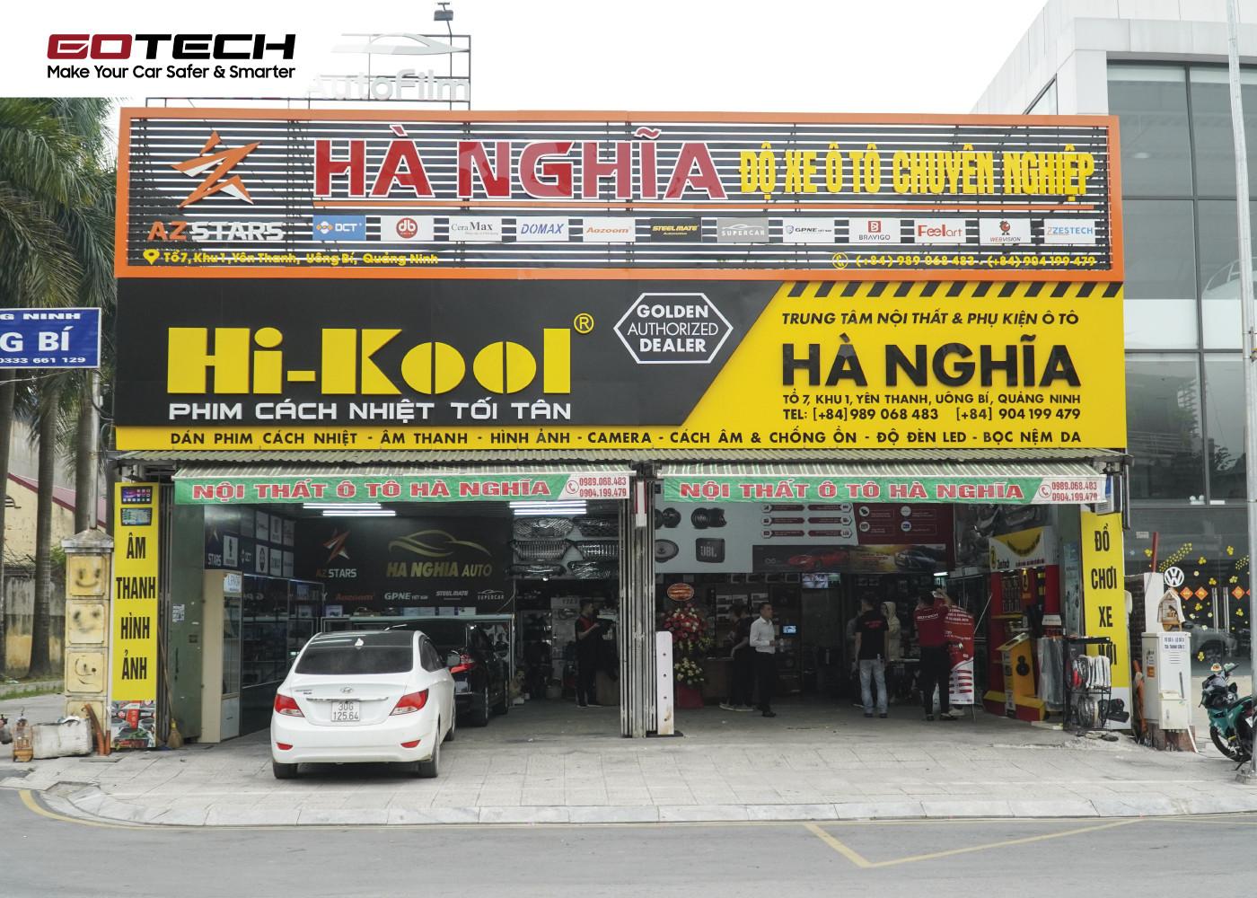 Hà Nghĩa Auto sở hữu không gian chăm sóc xe hơi hiện đại cùng đội ngũ nhân viên, kỹ thuật viên chuyên nghiệp.