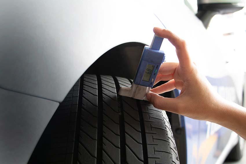 Thường xuyên kiểm tra độ mòn và nhiệt độ của lốp.