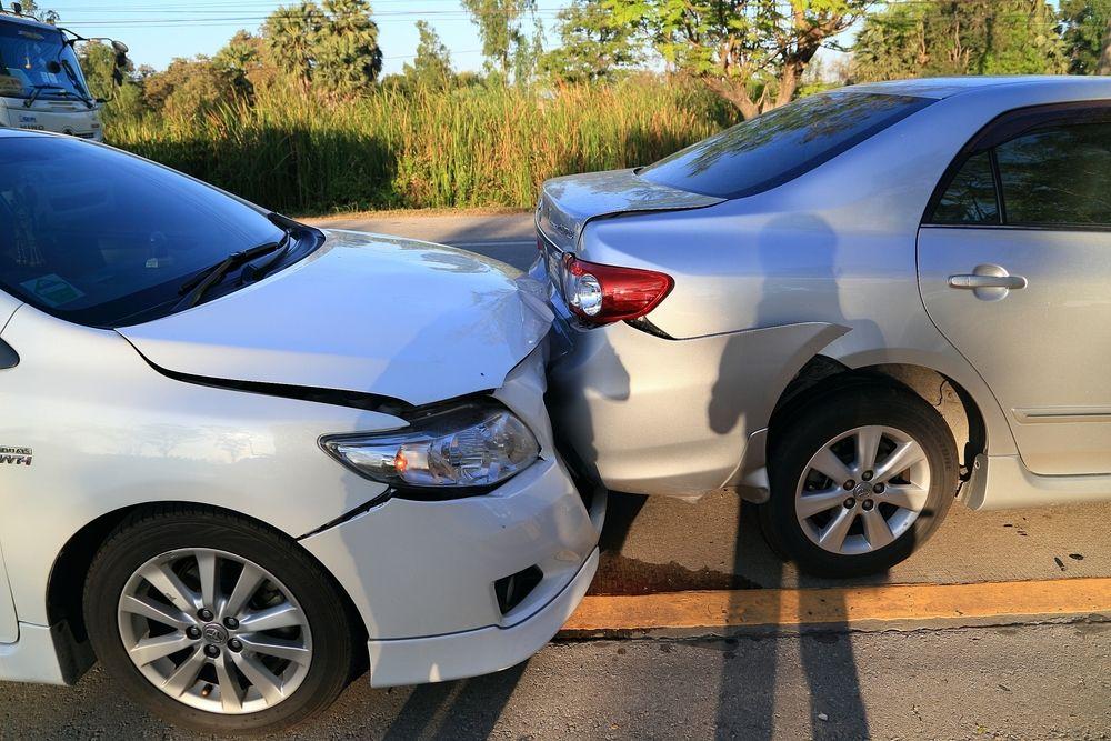 Giữ thái độbình tĩnh khi lái xe vào giờ cao điểm để hạn chế xảy ra va chạm.