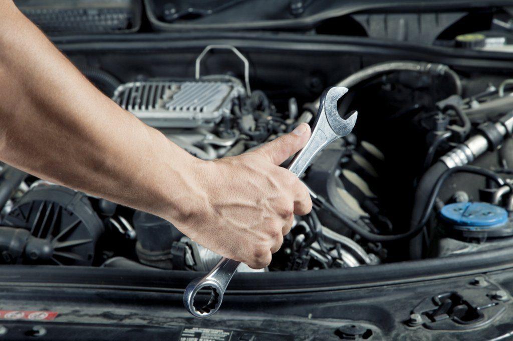 Luôn mang theo dụng cụ sửa chữa xe và lốp dự phòng.