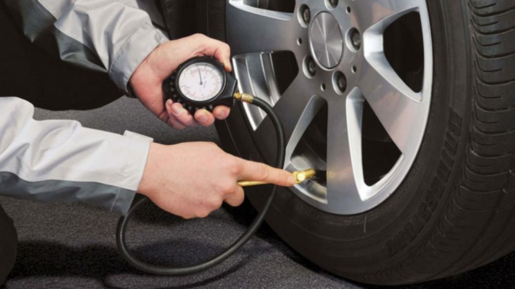 Lưu ý kiểm tra nhiệt độ, áp suất lốp trước khi di chuyển.