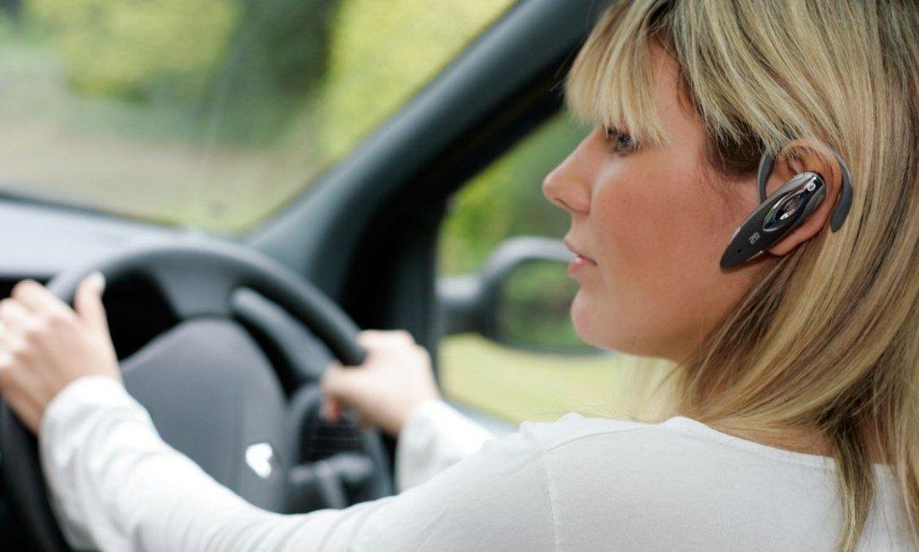 Tai nghe Bluetooth hỗ trợ đàm thoại rảnh tay