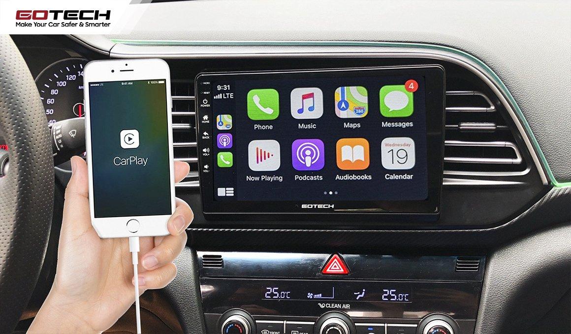 Màn hình ô tô có chức năng kết nối Apple Carplay.