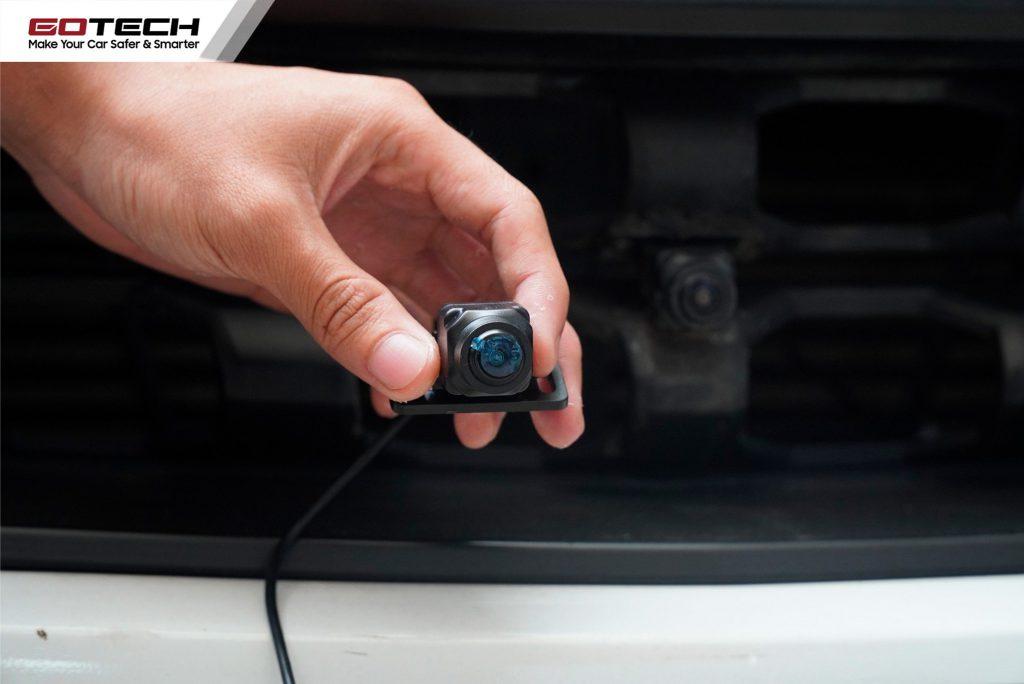 Lắp đặt camera 360 cho oto đúng vị trí giúp ghi hình ổn định, chính xác nhất.