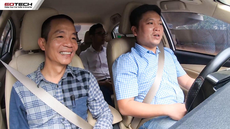 Nhạc sĩ Nguyễn Vĩnh Tiến trải nghiệm màn hình GOTECH trên xe Vios