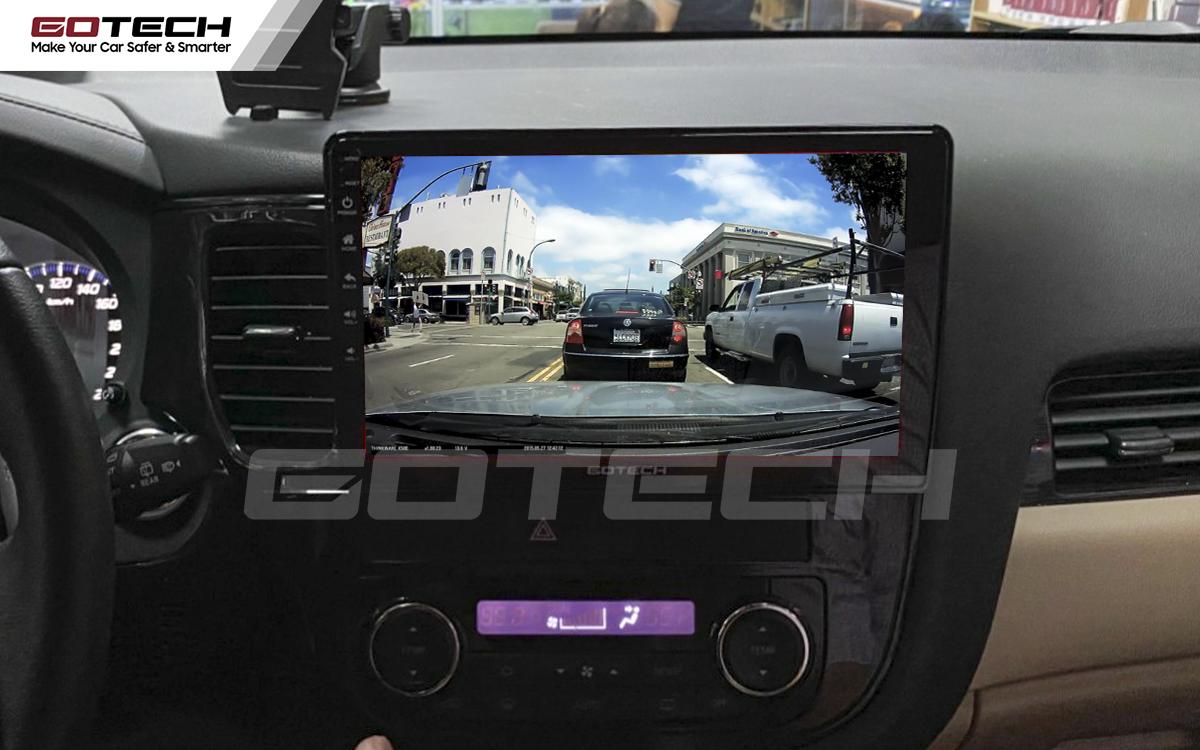 Xem camera hành trình qua màn hình Android ô tô Gotech vô cùng tiện dụng.